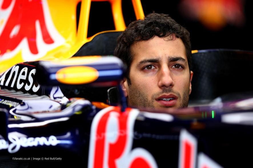 Daniel-Ricciardo-3-886x591