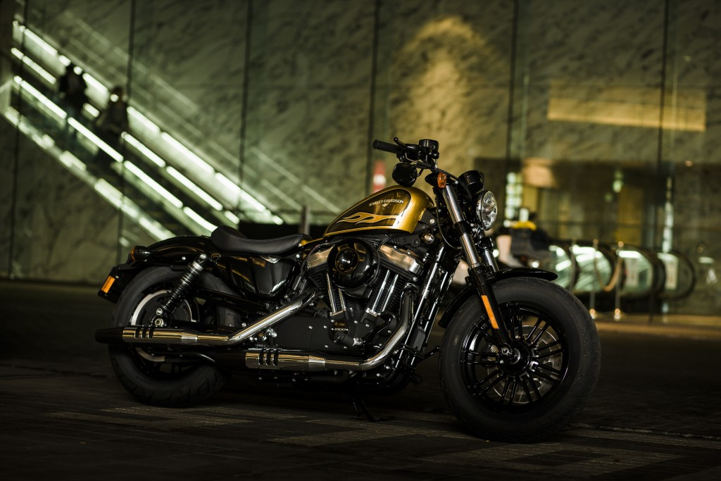 H-D_FORTY-EIGHT_038_015