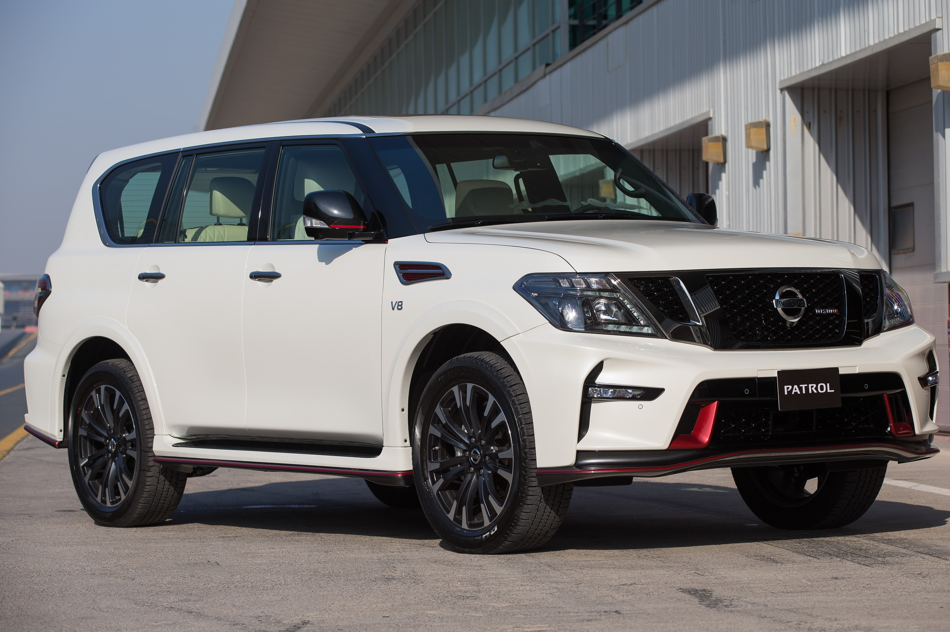 Nissan S Nismo Brand Middle East Debut And Nismo Patrol S World Premiere At Dubai Pitstop
