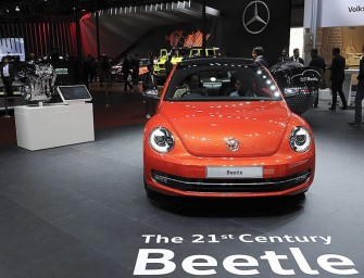 Auto Expo 2016: New Volkswagen Beetle showcased in India!