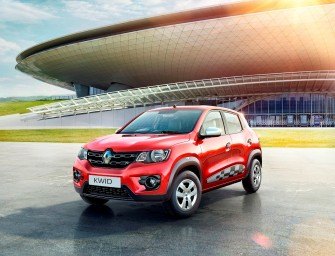 Renault launches Kwid with 1-litre engine at Rs 3.82 lakh