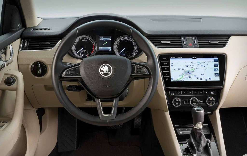 new-2017-skoda-octavia-facelift-interior