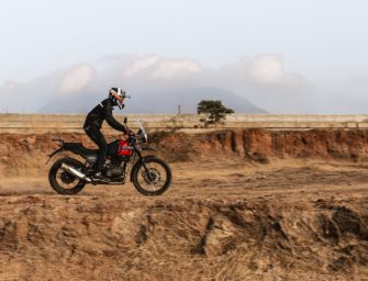 Himalayan BS6 Review | 2020 Royal Enfield Himalayan BS6 Video Review | PitstopWeekly